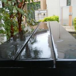 住宅の自転車置き場、雨対策(^_^)ゞ