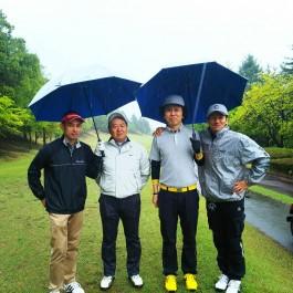 雨のち晴れの楽しいゴルフ(^^♪
