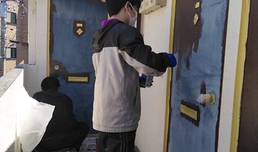 管理物件のドアをDIY(^^)